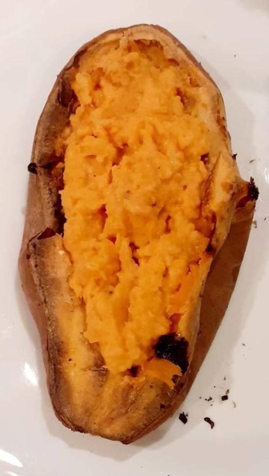 Recette patate douce au fromage de chèvre et chips de bacon - Laetitia Nutritionniste Diététicienne à domicile Tours